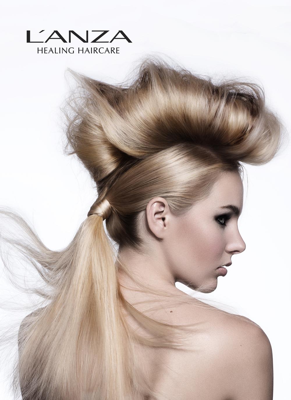 Колорирование волос в салоне: красота под контролем мастера