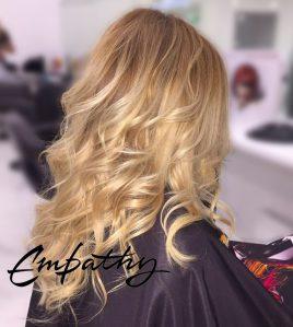 Окрашивание длинных волос в салоне
